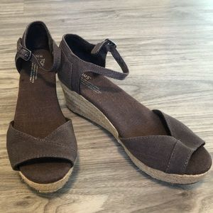 Tom's Espadrilles Open Toe Wedge Gray Sandals